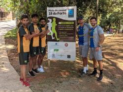 Treinador Nogueira Jr, Beto Portella e jogadores paquistaneses em preparação no Brasil